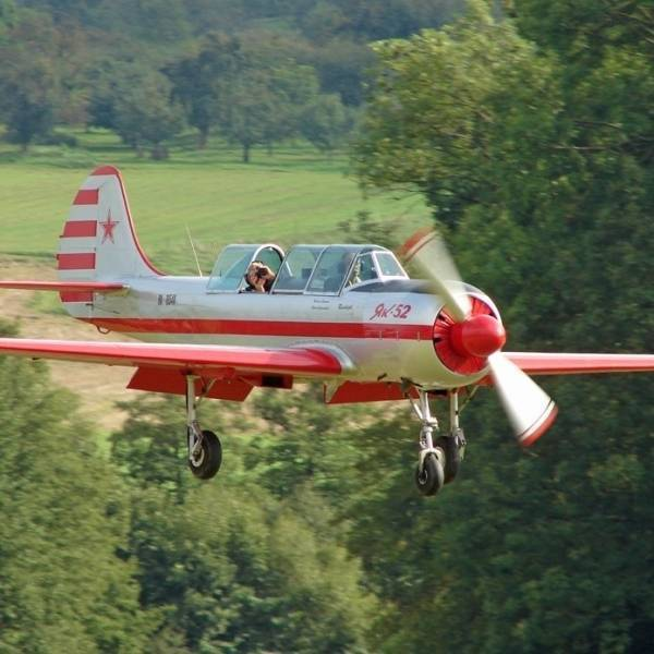 Як-52 фото. видео. характеристики. скорость. вес